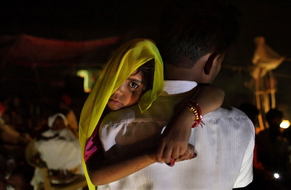 Rajni, 5, before her wedding ceremony in Rajasthan, India on April 28, 2009. (c) Stephanie Sinclair/Too Young to Wed